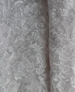 Queens Lace White
